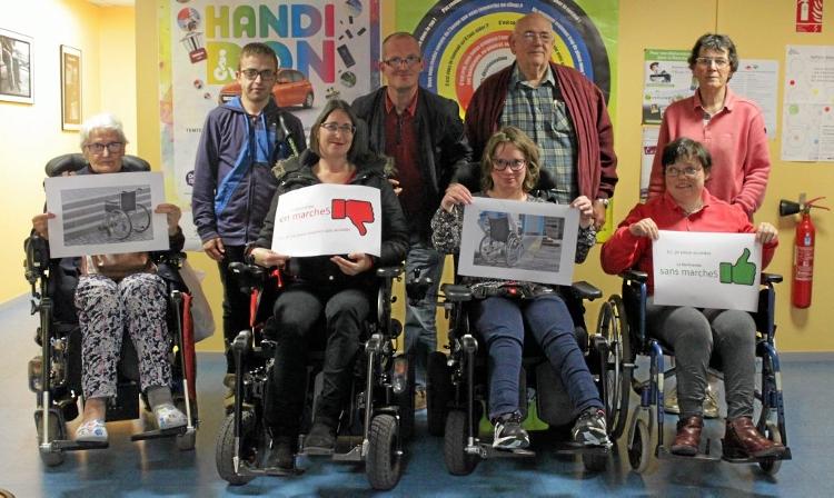 Les adhérents de l'APF lancent un cri d'alarme pour rendre les lieux publics plus accessibles aux personnes à mobilité réduite.