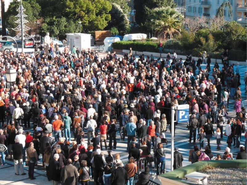 Entre 600 et 800 personnes se sont réunies à Hyères.